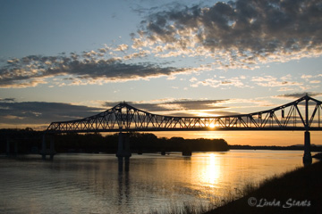 MS River dawn Winona MN 51034_Staats