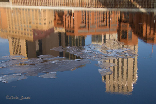 River and ice reflection of St Paul 7D_0917