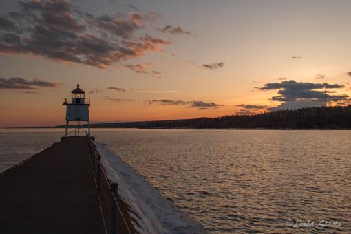 Two Harbors breakwater light 0972_Staats