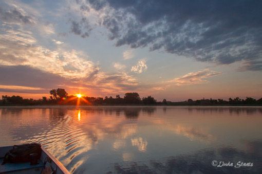 Summer sunrise over the lake_Staats