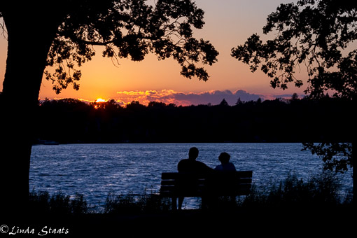 Sunset conversation 7D-10285_Staats