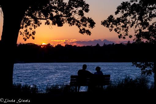 Sunset conversation 7D-10285_Staats