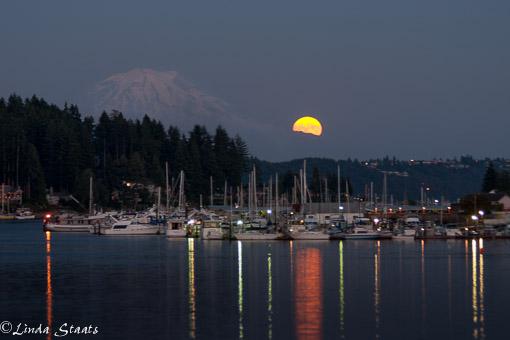 Full moonrise Gig Harbor_2185 Staats